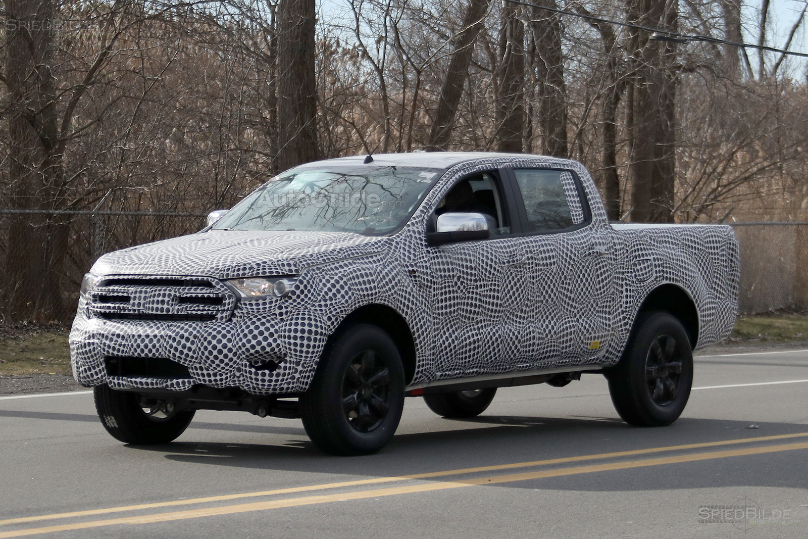 ford-ranger-2019-lo-dien-tren-duong-chay-thu
