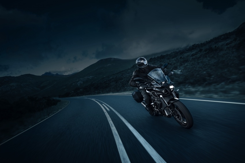 yamaha-mt-10-tourer-2017-nakedbike-the-thao-cuc-ngau
