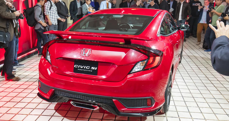 hai-phien-ban-sedan-va-coupe-cua-honda-civic-si-se-duoc-ban-tai-my-tu-thang-5-2017