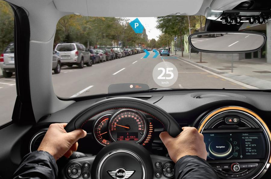 Mua ô tô dễ dàng hơn với công nghệ lái thử thực tế ảo