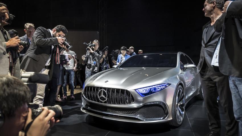 Cận cảnh Mercedes-Benz Concept A sedan - ảnh 3