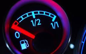 Lái xe khi gần hết nhiên liệu:Những lưu ý cần biết