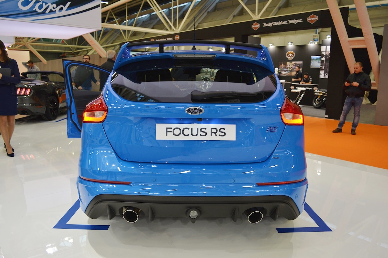 ford-focus-2018-se-co-dien-mao-nhu-the-nao