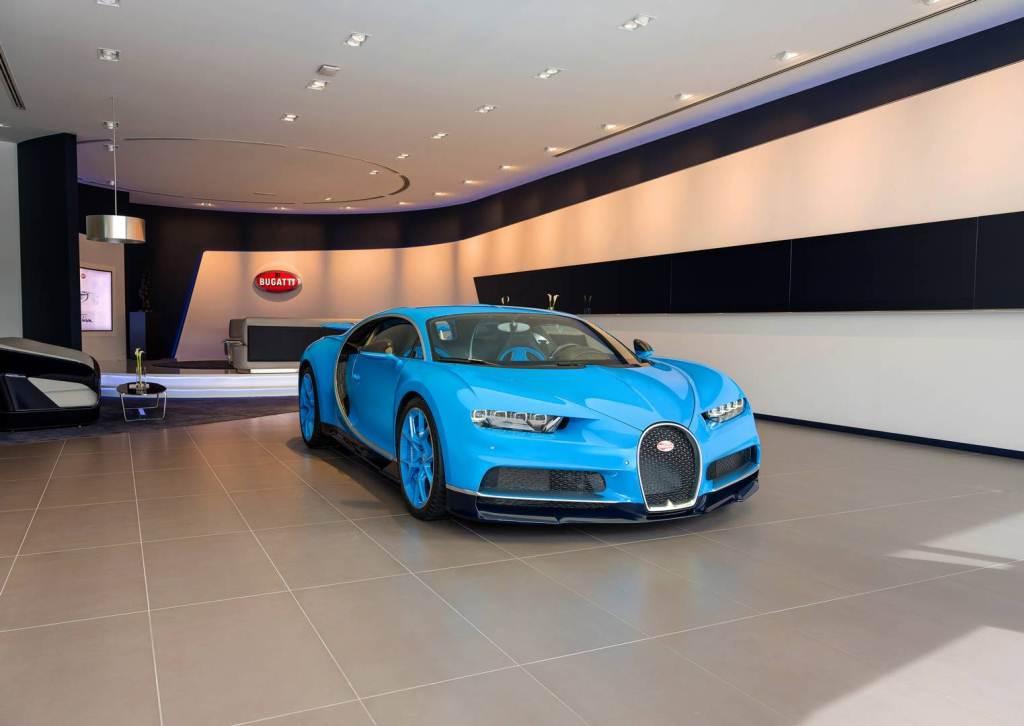 showroom-bugatti-lon-nhat-tai-dubai-chi-trung-bay-mot-xe