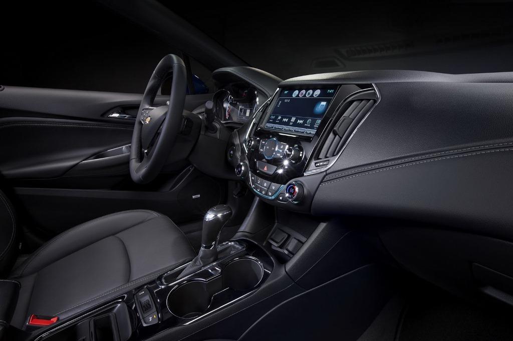 Chevrolet Cruze 2018 bản chạy dầu có giá từ 24.670 USD