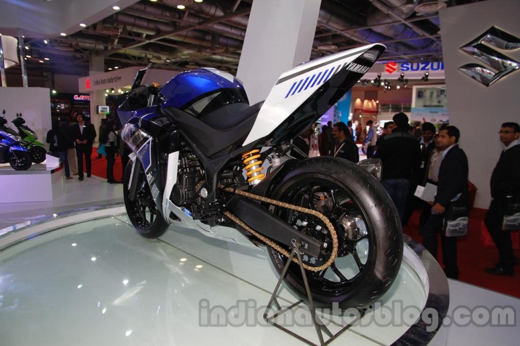 yamaha-r25-facelift-lui-thoi-diem-ra-mat