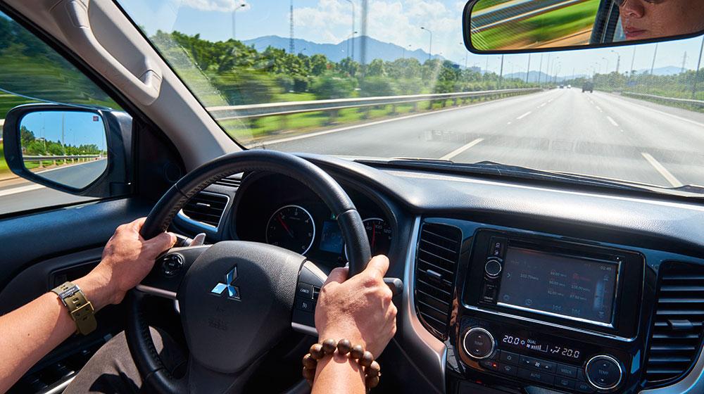Cách giảm nhiệt độ trong xe nhanh nhất khi thời tiết nắng nóng