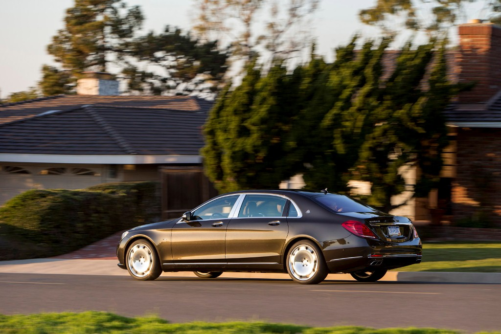 mercedes-maybach-s-class-sedan-them-trang-bi-dong-co-amg-v12
