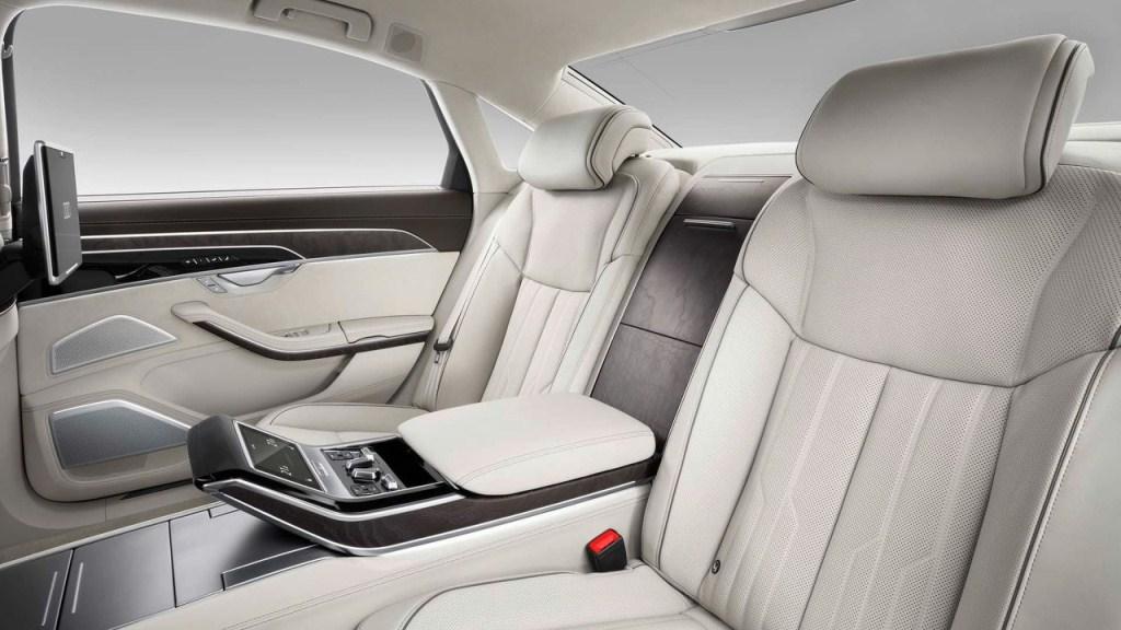 Chi tiết những nâng cấp mới trên Audi A8 2018 mới ra mắt