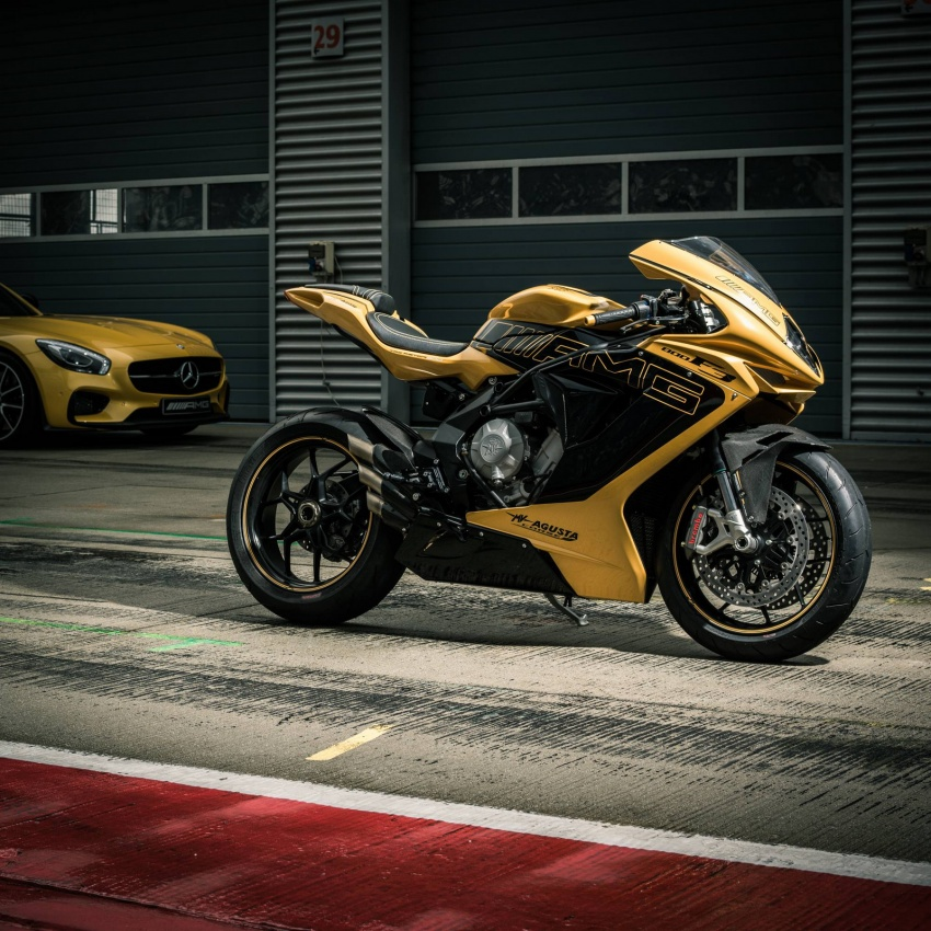 mercedes-amg-ban-hang-mo-to-mv-agusta