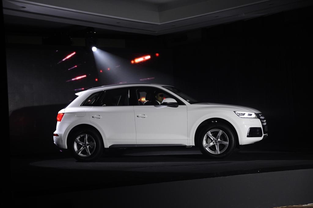Audi Q5 mới ra mắt tại Việt Nam, giá từ 2 tỷ đồng - ảnh 3