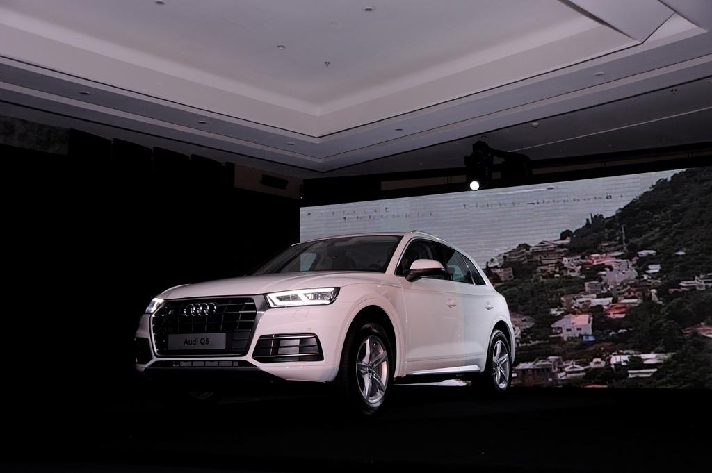 Audi Q5 mới ra mắt tại Việt Nam, giá từ 2 tỷ đồng - ảnh 2