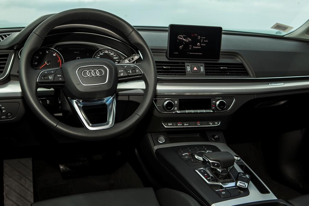 Audi Q5 mới ra mắt tại Việt Nam, giá từ 2 tỷ đồng - ảnh 11