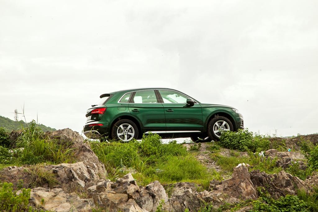 Audi Q5 mới ra mắt tại Việt Nam, giá từ 2 tỷ đồng - ảnh 10