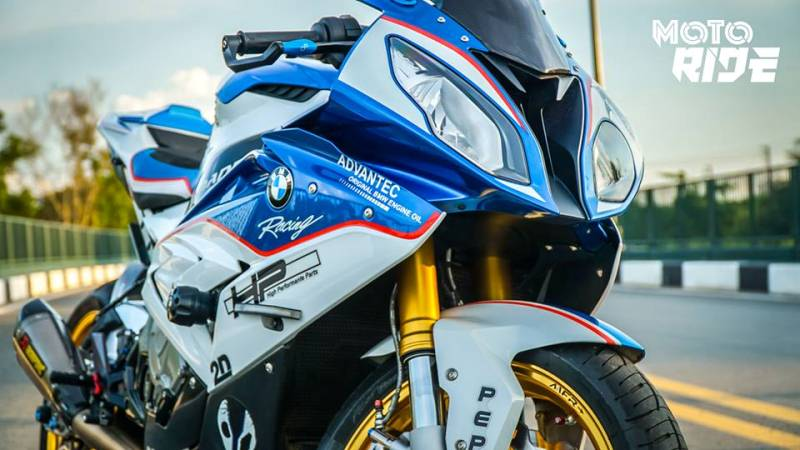 bmw-s1000rr-do-tram-trieu-dong-co-gi
