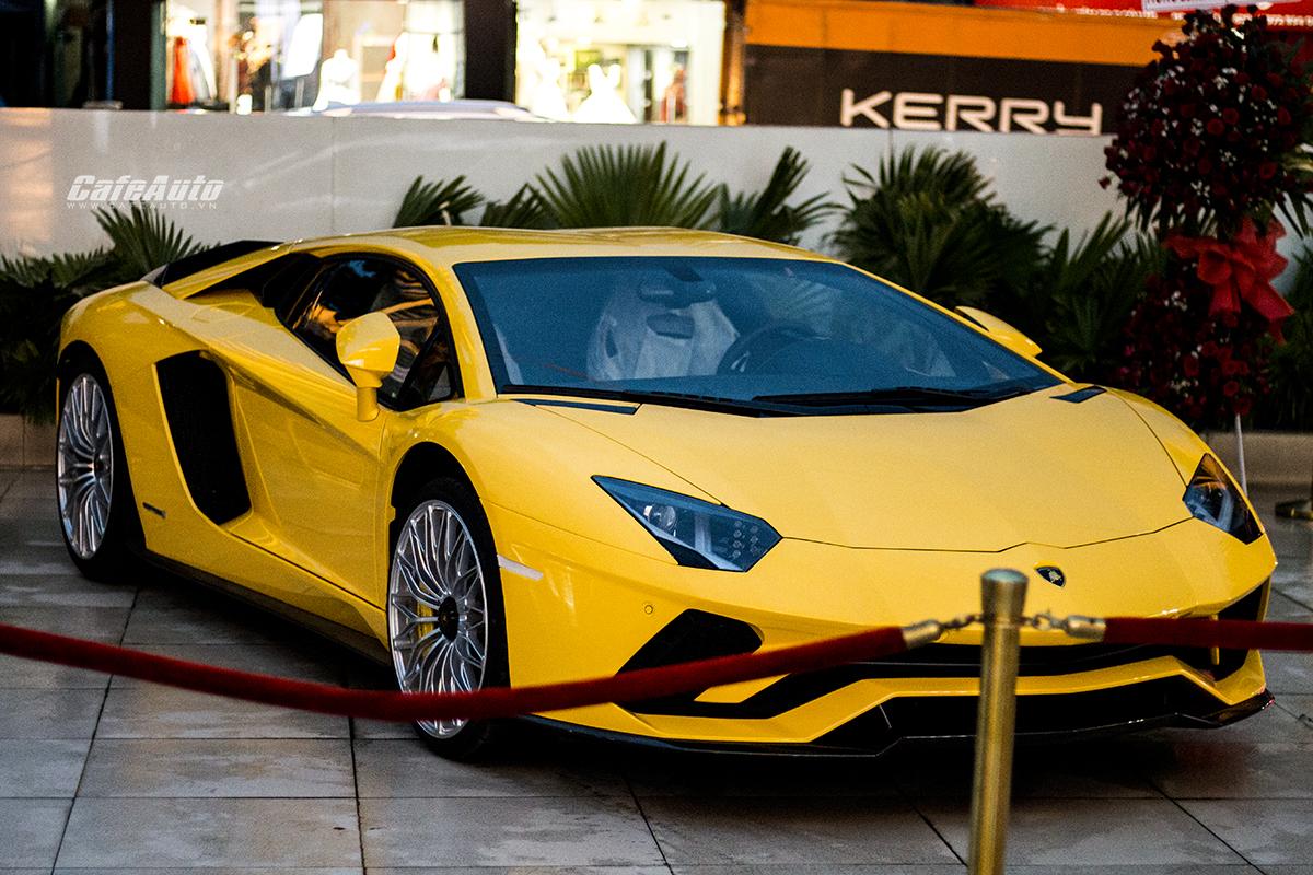 Lamborghini Aventador S LP740-4 Hơn 45 tỷ đồng