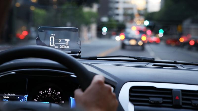 Những phụ kiện công nghệ nên trang bị cho ô tô