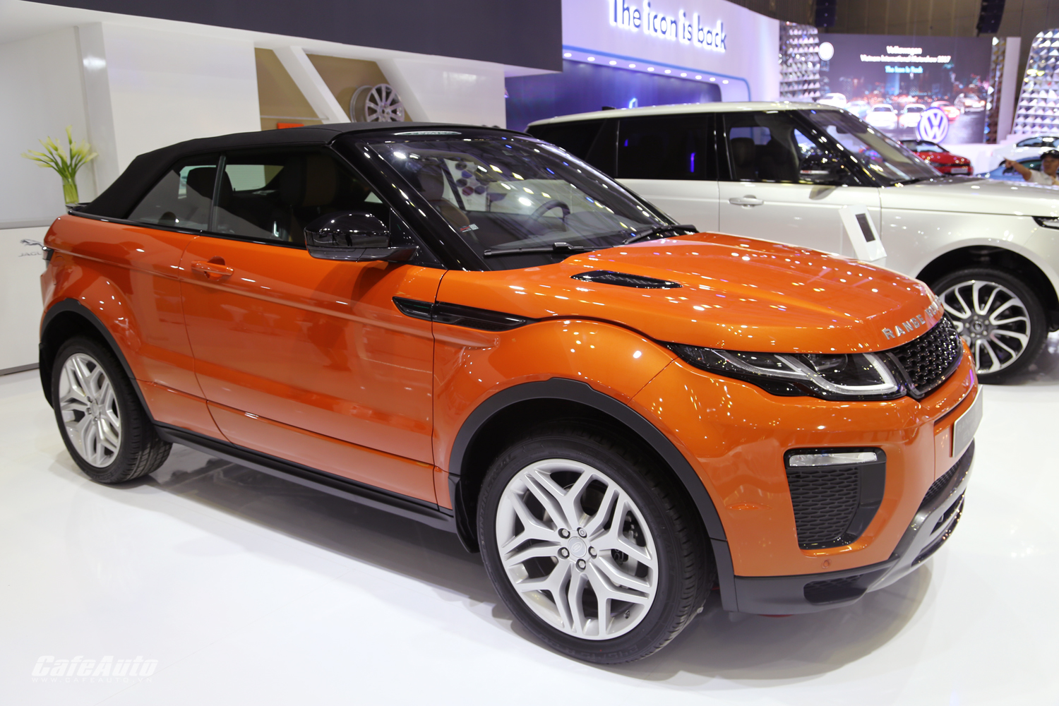 c n c nh range rover evoque convertible m i ra m t cafeauto vn. Black Bedroom Furniture Sets. Home Design Ideas