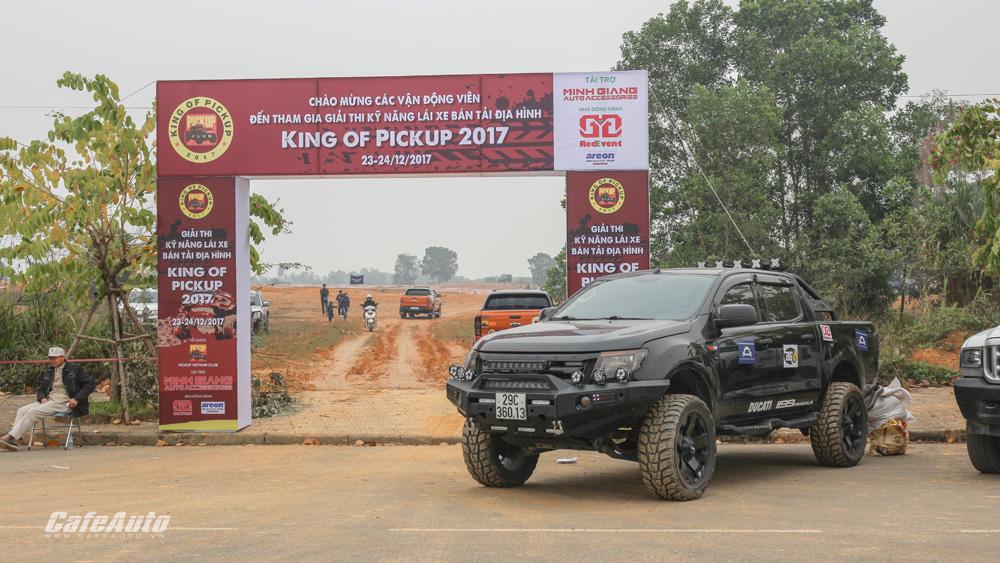 khai-mac-giai-thi-ki-nang-lai-xe-ban-tai-dia-hinh-2017-king-of-pickup-kop