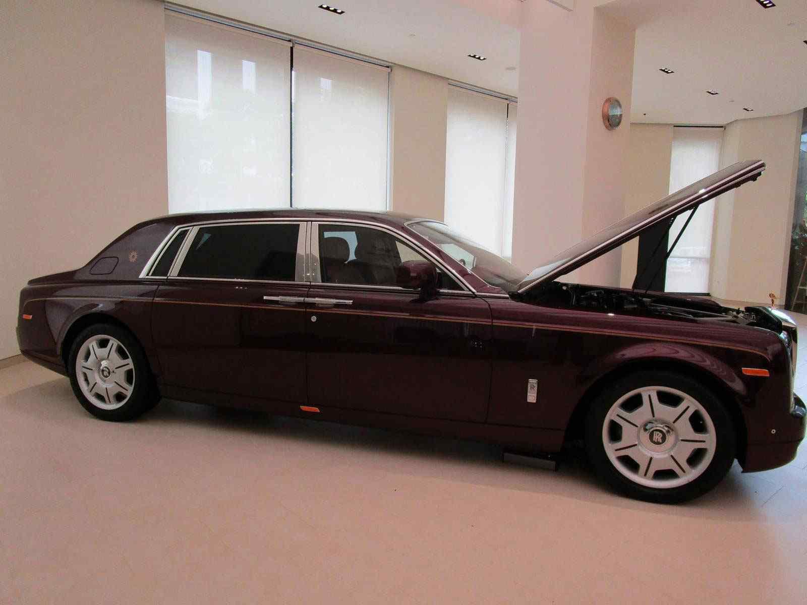 """Rolls-Royce """"Mặt trời phương Đông"""" 43 tỷ đồng"""