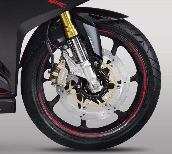 lo-dien-nakedbike-honda-cb250rr-2018-hoan-toan-moi