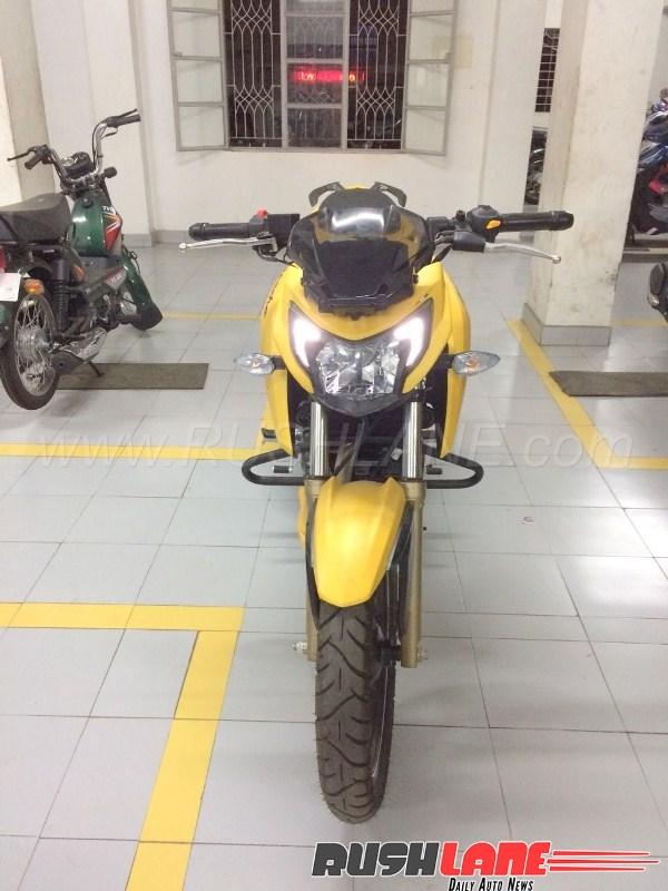nakedbike-tam-trung-tvs-apache-200-abs-ra-mat-gia-38-trieu-dong