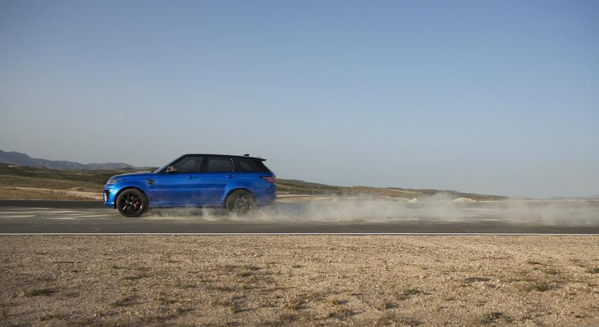 range-rover-sport-svr-lap-ky-luc-moi-tren-duong-len-cong-troi