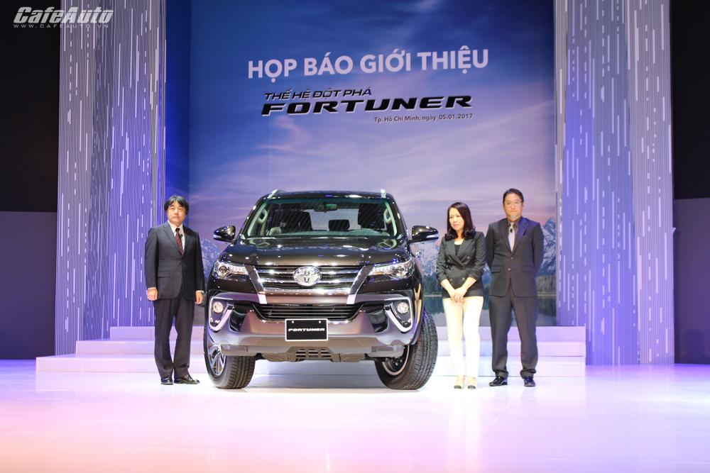 Vướng 116, doanh số Toyota giảm không đáng kể