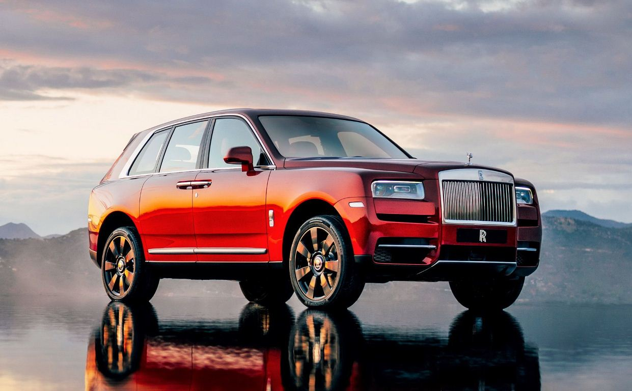 SUV Rolls Royce Cullinan hoàn mỹ chính thức ra mắt toàn cầu, giá 7,3 tỷ đồng