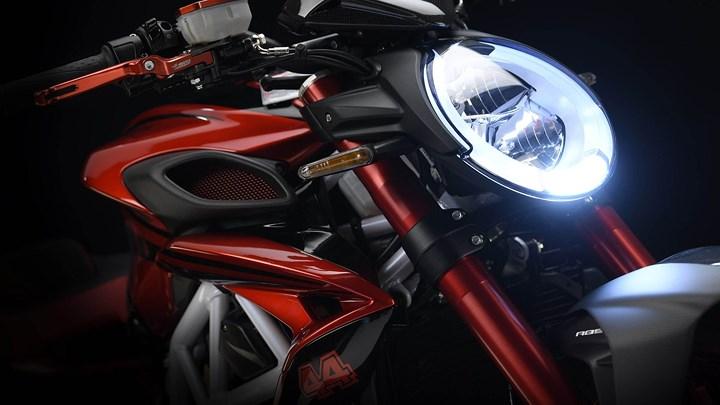 Giới thiệu MV Agusta Brutale 800 RR LH44 phiên bản tay đua Lewis Hamilton