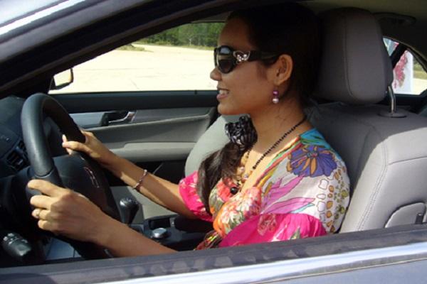 Giữ vững tâm lí khi lái xe