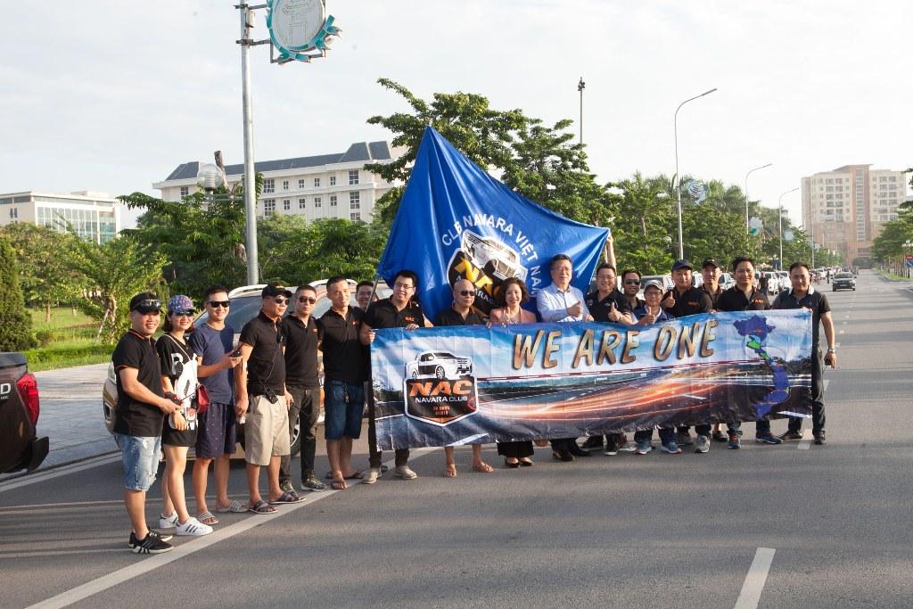 Ngày 23/6 vừa qua, các thành viên của Câu lạc bộ những người yêu mến dòng xe bán tải Nissan Navara (Navara Club) đã có một sự kiện đáng nhớ nhân dịp kỷ niệm sinh nhật lần thứ 3 của Câu lạc bộ. Chương trình diễn ra với quy mô hoành tráng cùng số lượng thành viên và dàn xe đông kỷ lục từ trước tới nay.