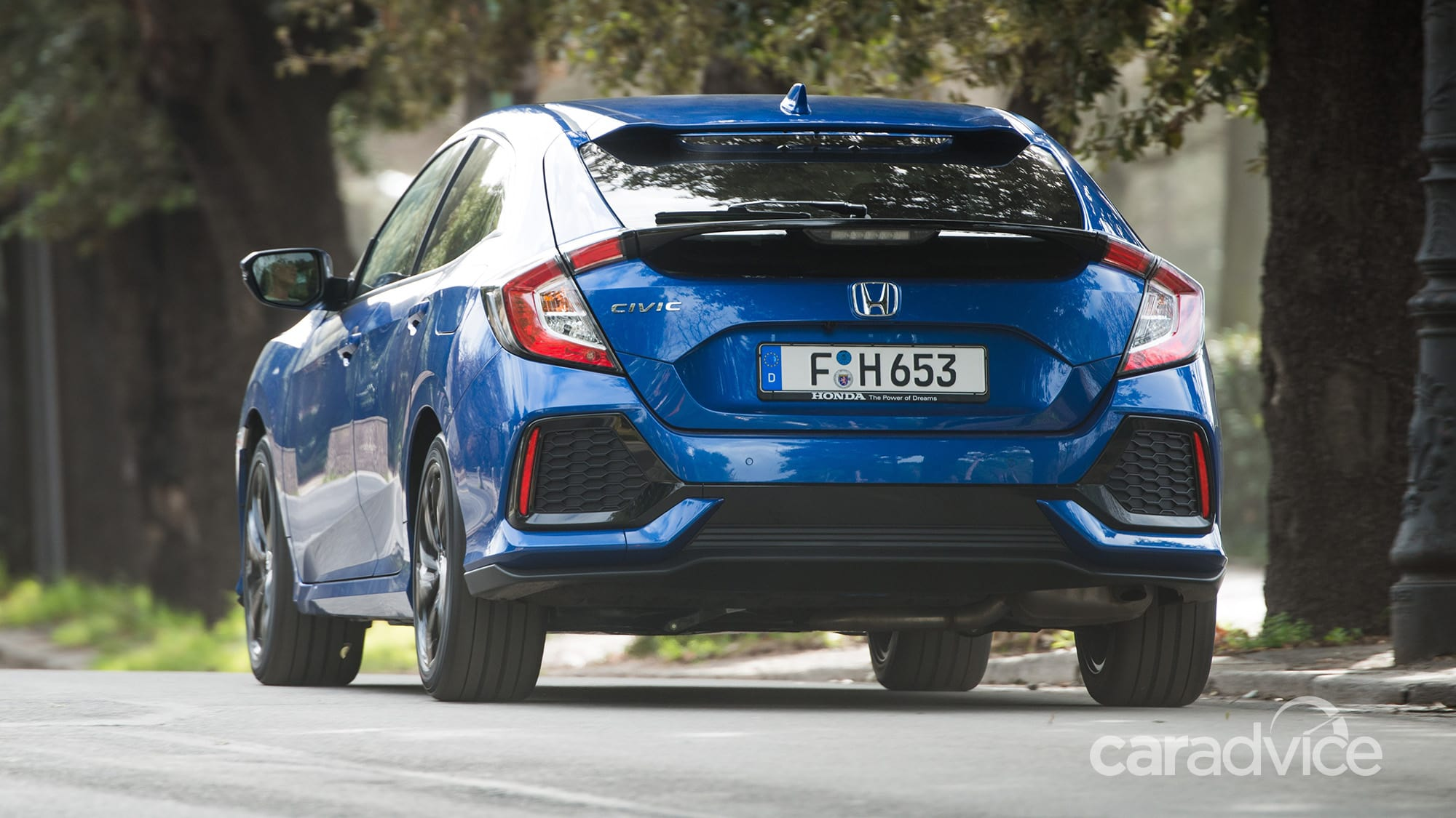 honda-civic-2018-ban-may-dau-so-huu-hop-so-tu-dong-9-cap