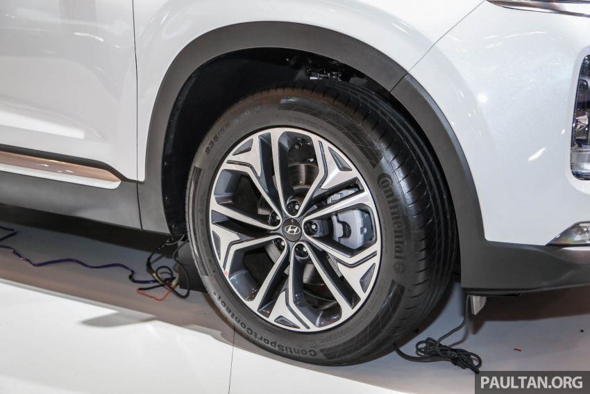 Hyundai Santa Fe hoàn toàn mới lộ diện trong buổi triển lãm GIIAS 2018