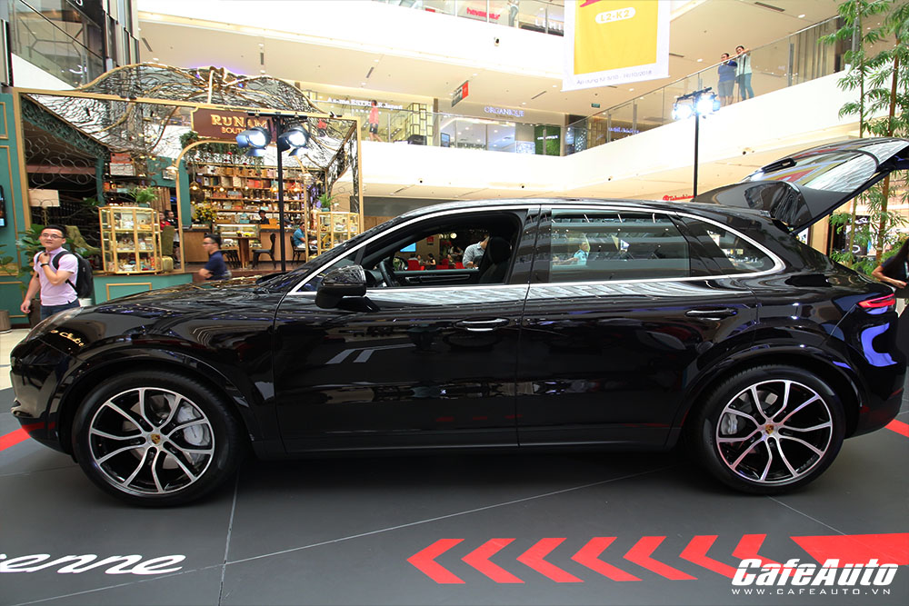 can-canh-porsche-cayenne-the-he-moi-co-gia-ban-4-54-ty-dong