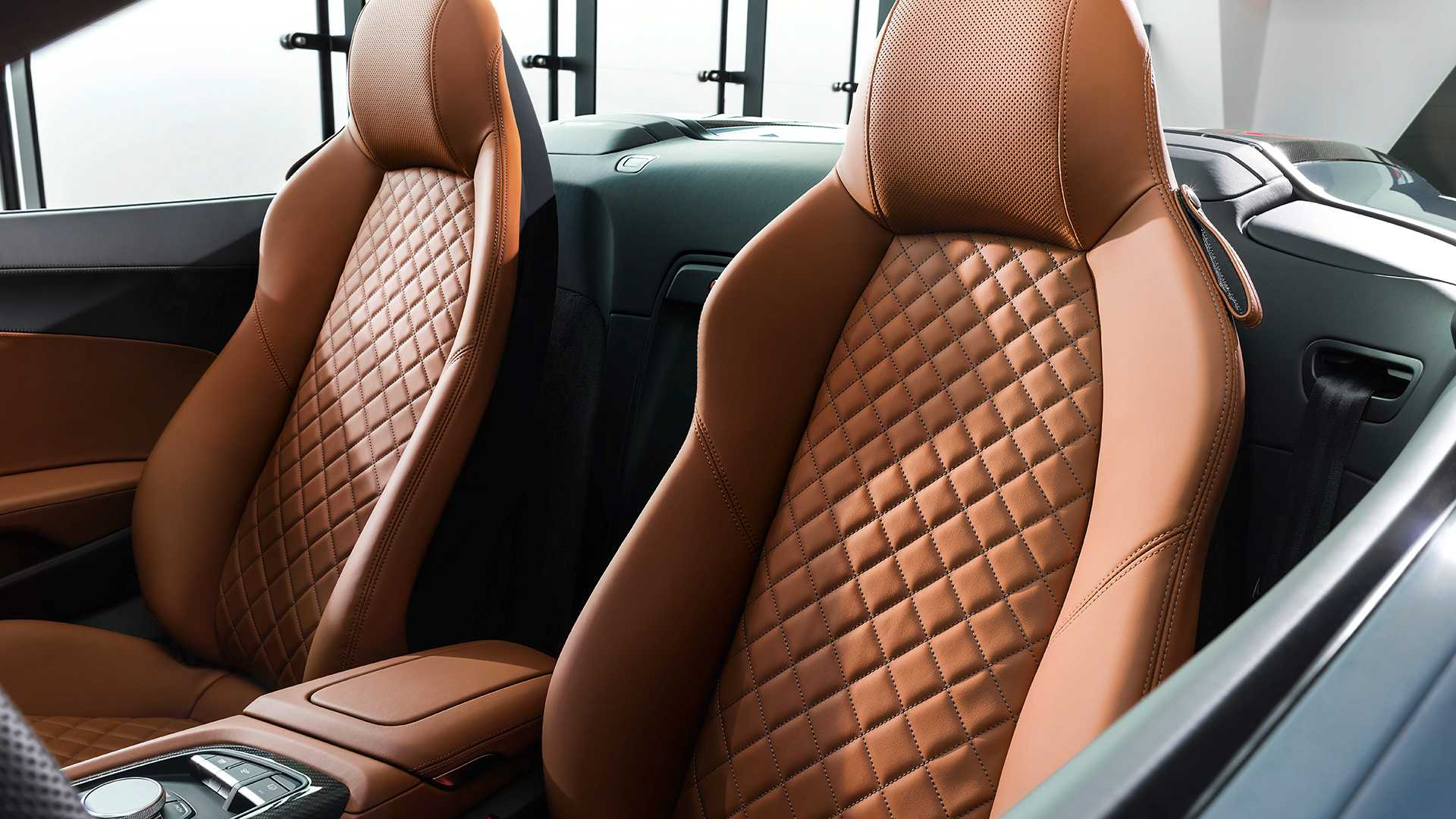 Siêu xe Audi R8 2019 bất ngờ lộ diện – Thay đổi để tiếp tục tồn tại hay vùng vẫy trước khi chết