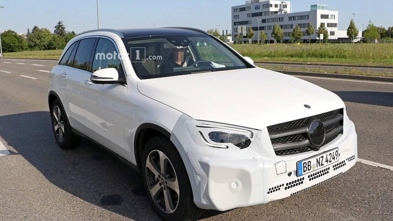 Những mẫu xe nào sẽ được Mercedes-Benz tung ra trong 1 năm tới