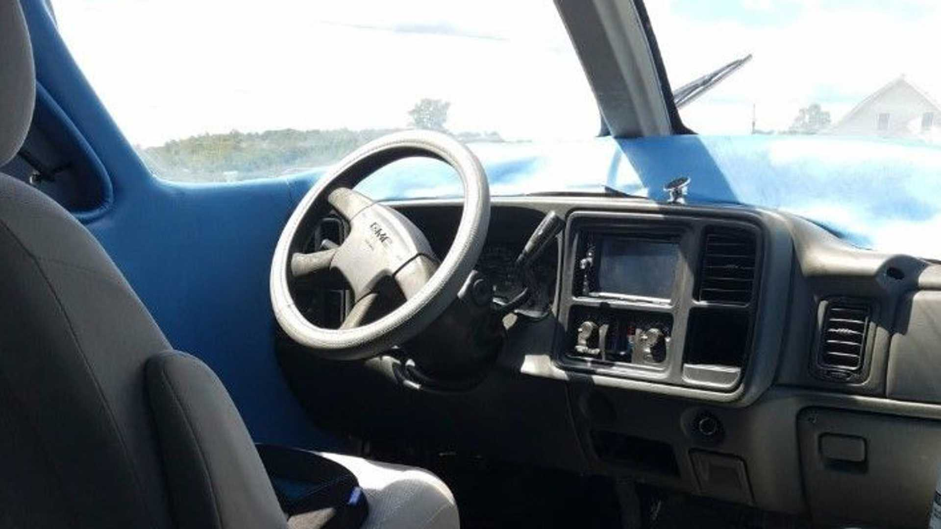 doc-dao-limousine-nua-may-bay-nua-xe-cuc-ky-la-mat