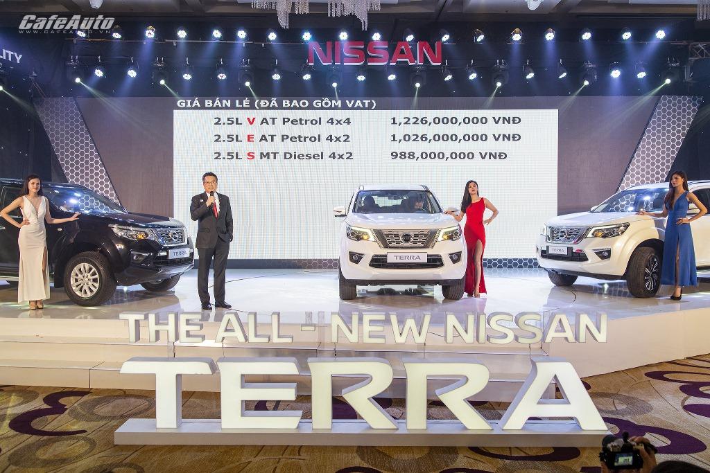 Nissan Terra chính thức ra mắt khách hàng Việt, giá từ 988 triệu đồng