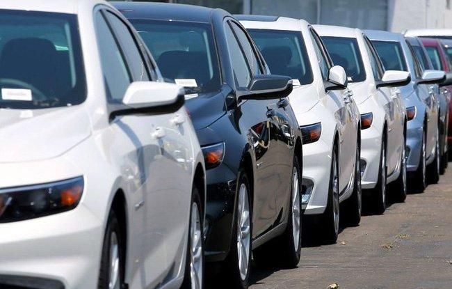 Những luật lệ lái xe ô tô oái oăm vẫn được áp dụng trên thế giới