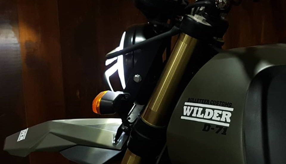 ngam-adventure-royal-enfield-himalayan-lot-xac-dam-chat-scrambler