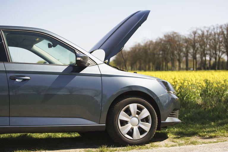 Cách vệ sinh động cơ ô tô tại nhà đúng cách