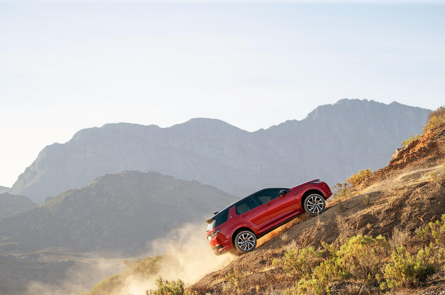 land-rover-discovery-sport-2020-chinh-thuc-ra-mat-voi-phien-ban-nang-cap-facelift