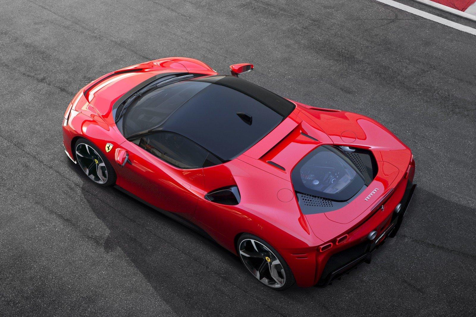 Ferrari SF90 Stradale bị thiếu thứ tưởng như không thể thiếu