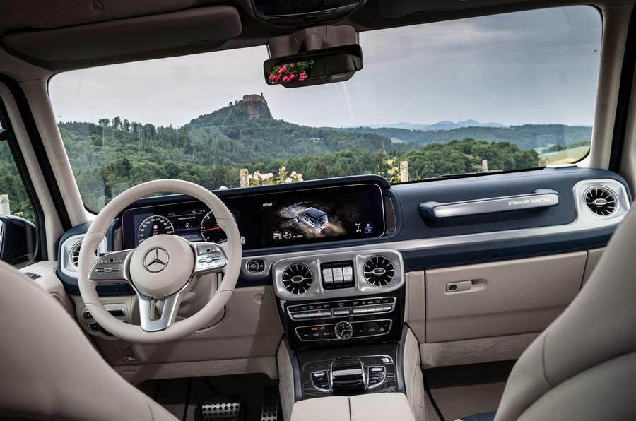 Mercedes G400d 2020: xe cá tính, vừa đi phố, vừa leo địa hình thứ thiệt