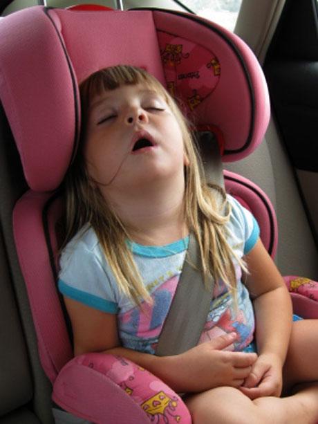 8 điều cần lưu ý khi lái xe có trẻ nhỏ