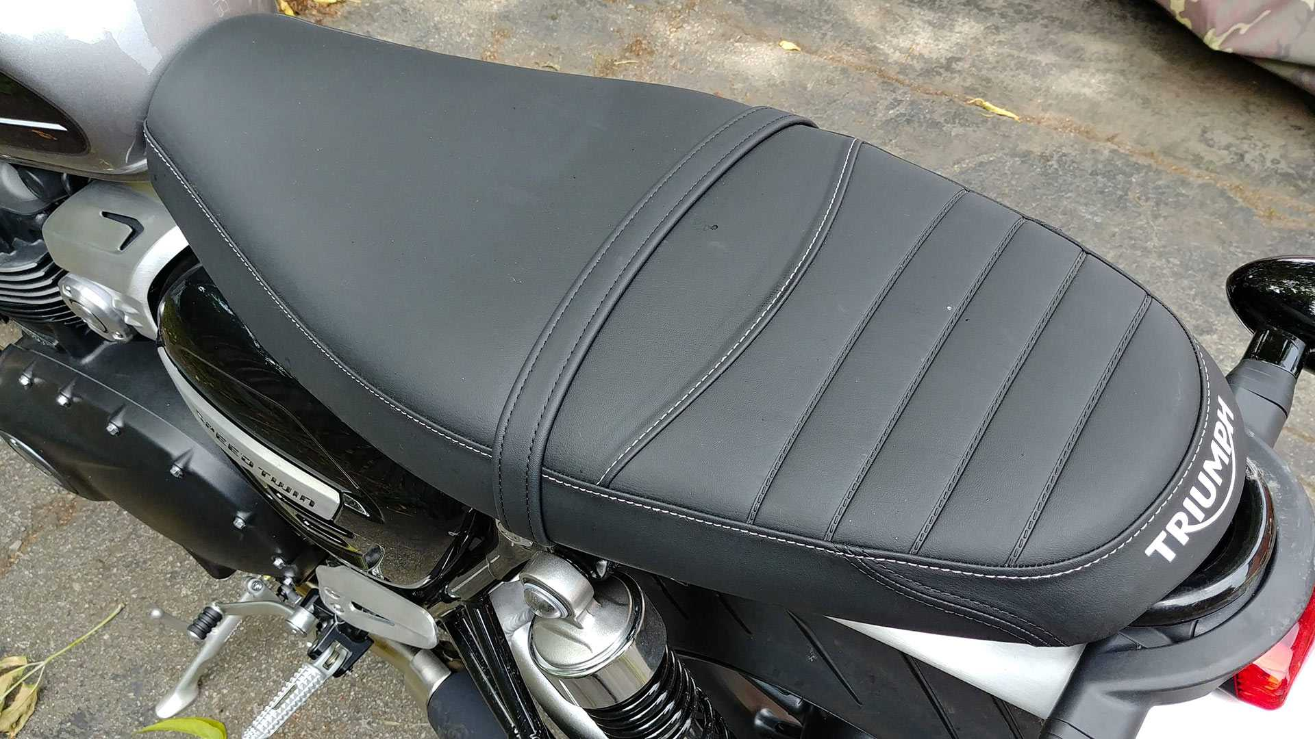 triumph-speed-twin-2020-hoai-co-velvet-not-far-with-the-present-trends
