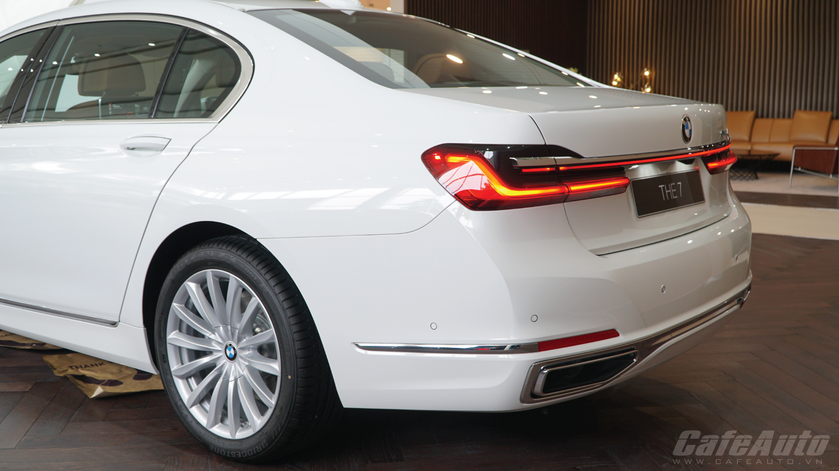 Can-Canh-BMW-740li-2020-more-luxury-hao-hoa-gia-5-6-ty-dong