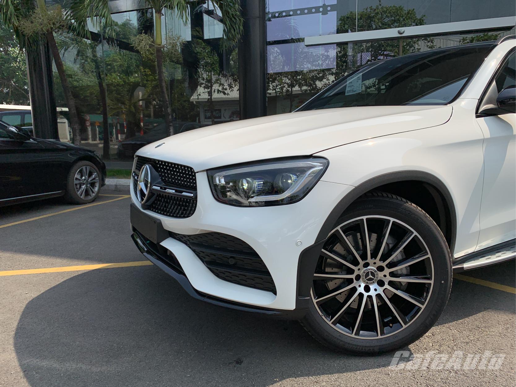 cham-mat-thuc-te-mercedes-benz-glc-300-2020-tai-viet-nam