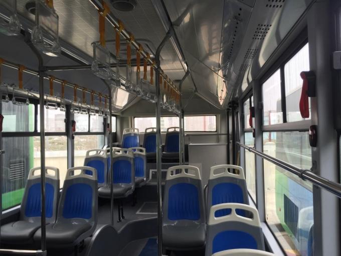 dau-nam-noi-chuyen-vi-sao-tren-xe-bus-khong-co-day-dai-an-toan